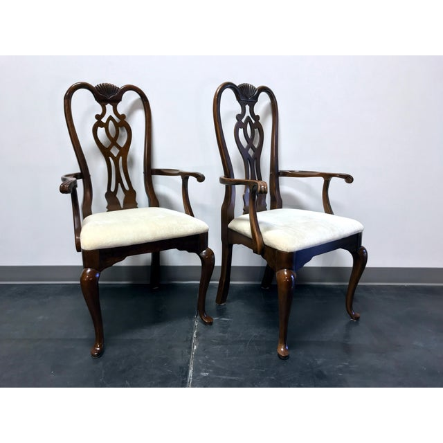 Thomasville Cherry Queen Anne Style Dining Captain's Arm Chairs - Pair For Sale In Charlotte - Image 6 of 12