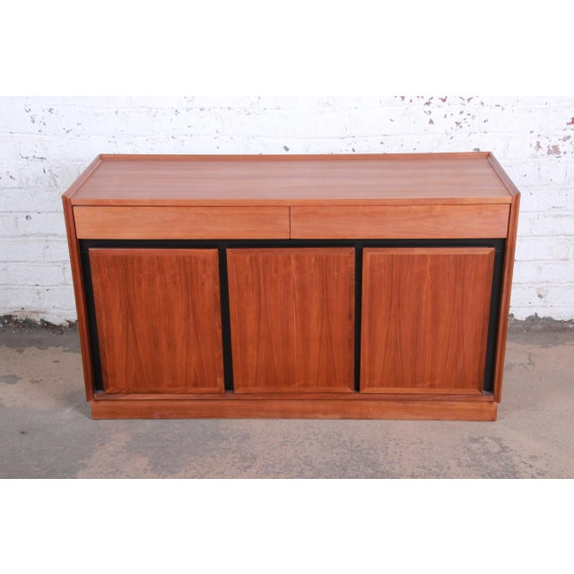 Dillingham Merton Gershun for Dillingham Mid-Century Modern Walnut Sideboard Credenza For Sale - Image 4 of 11