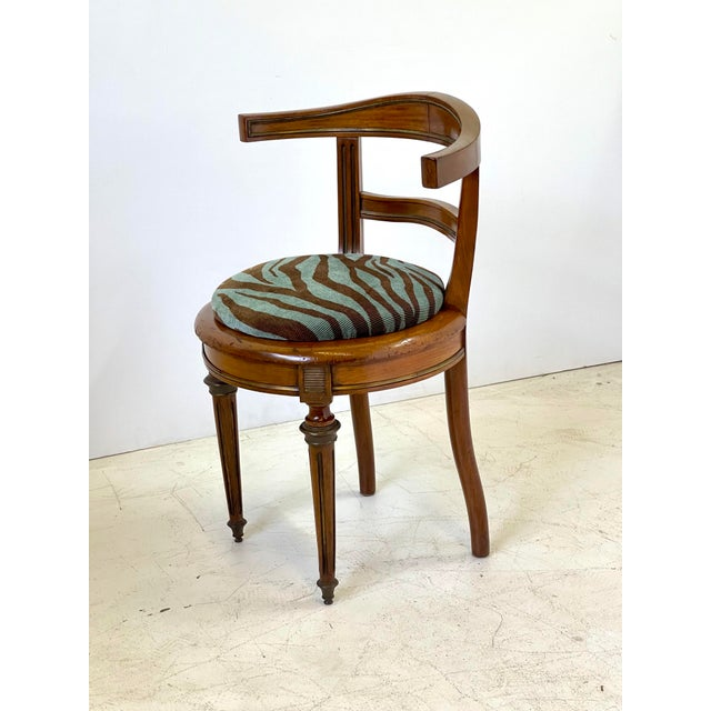 Early 20th Century Neoclassical Vanity Chair of Walnut and Brass For Sale - Image 5 of 13
