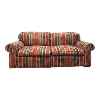 Sherrill Traditional Living Room Sofa With Pillows