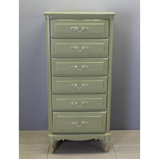 Mid Century lingerie chest of six drawers this is great if you need a lot of space this chest has its beautiful green...
