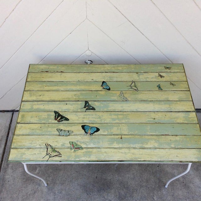 American Vintage Woodard Metal and Bead Board Patio Set - Table and 4 Chairs For Sale - Image 3 of 13