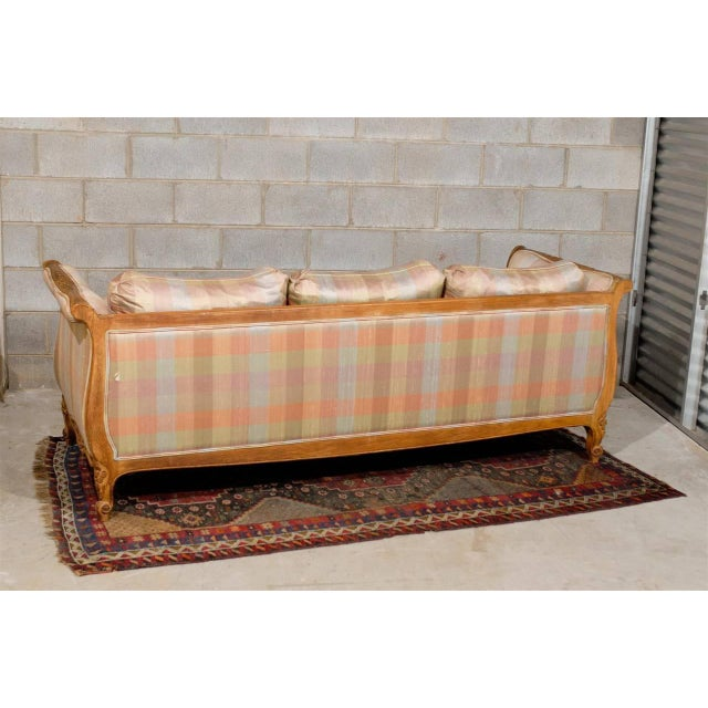 French 20th Century Louis XV Style Carved Wood Sofa or Daybed For Sale - Image 3 of 13