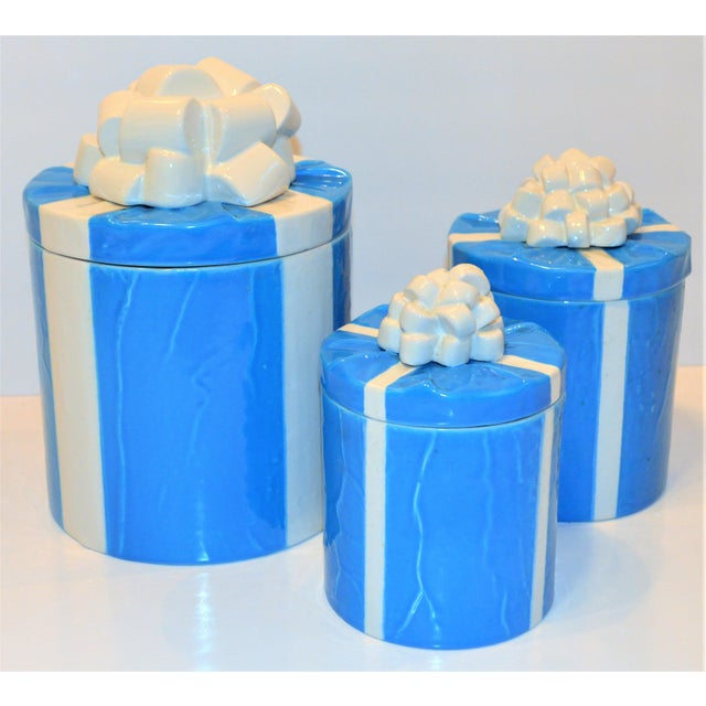 Blue 1970s Italian Trompe l'Oeil Mancioli Canister Set of 3 For Sale - Image 8 of 13