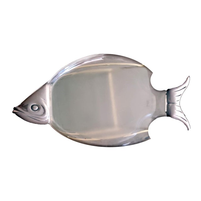 1960s 1960s Lucite Fish Shaped Serving Platter With Aluminum Head and Tail For Sale - Image 5 of 5