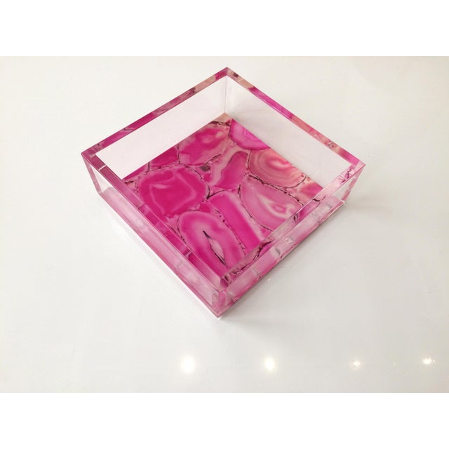 DWM   MALOOS Dwm   Maloos Lucite Pink Agate Pattern Tray For Sale - Image 4 of 9