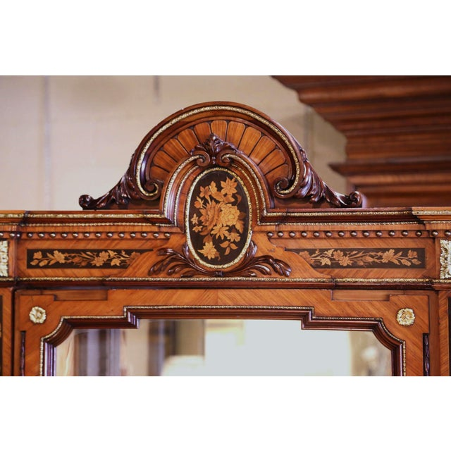 19th Century French Louis XVI Walnut Marquetry Vitrine With Glass Sides and Door For Sale - Image 9 of 13