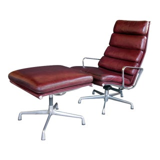 1980s Eames for Herman Miller Executive Soft-Pad Tilt/Swivel Lounge Chair and Ottoman - 2 Pieces For Sale