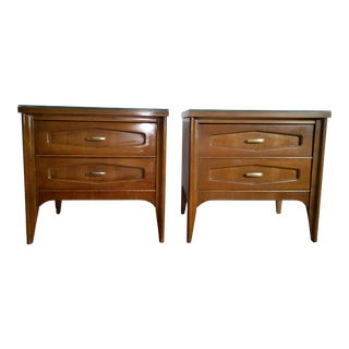1957 Bassett Mid-Century Modern Nightstands - a Pair For Sale