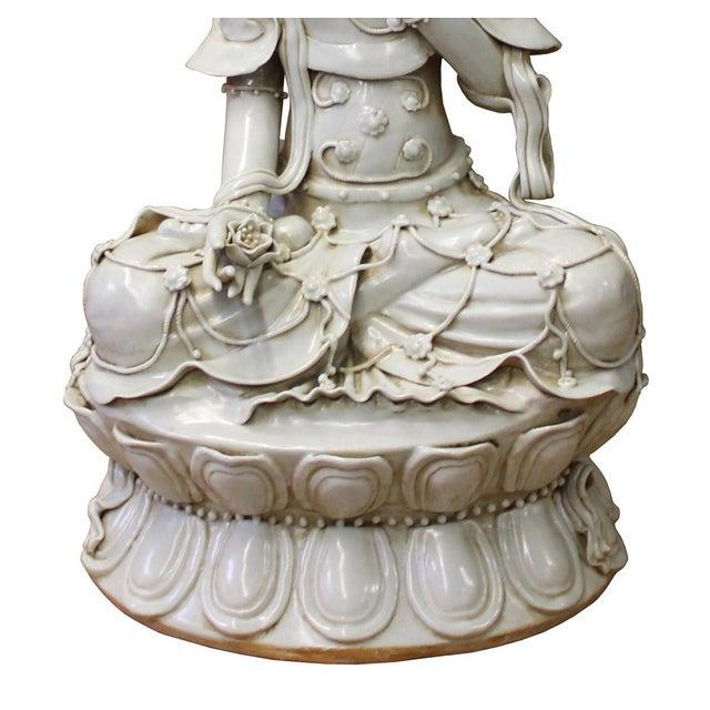 Tong Style Porcelain Kwan Yin Tara Bodhisattva Statue - Image 3 of 7