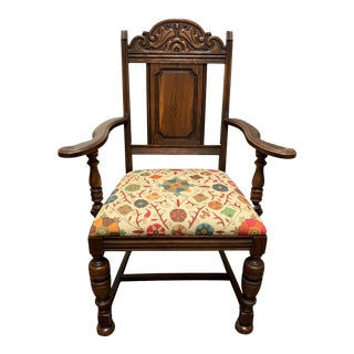 Early 20th Century Suzani Linen Fabric Traditional French Provincial Wood Chair For Sale