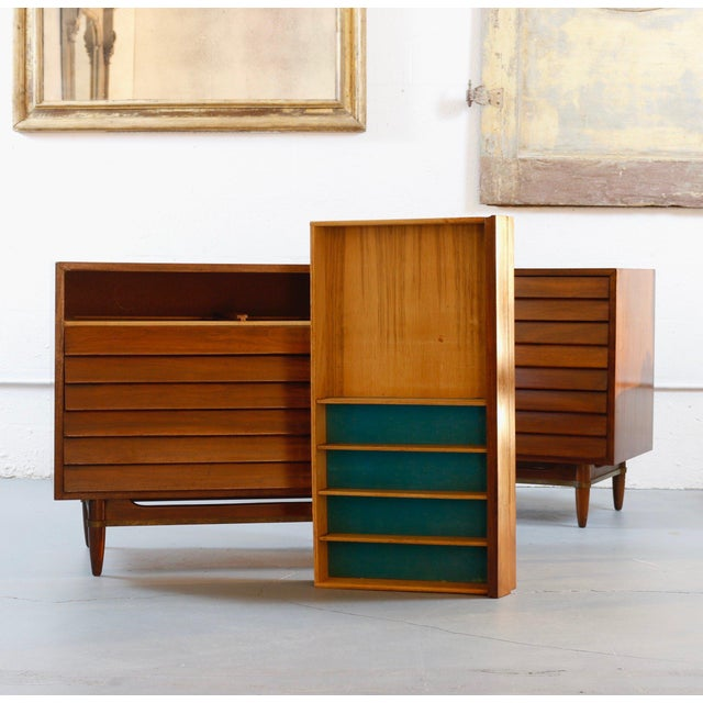 Mid-Century Modern Mid-Century American Dressers For Sale - Image 3 of 4
