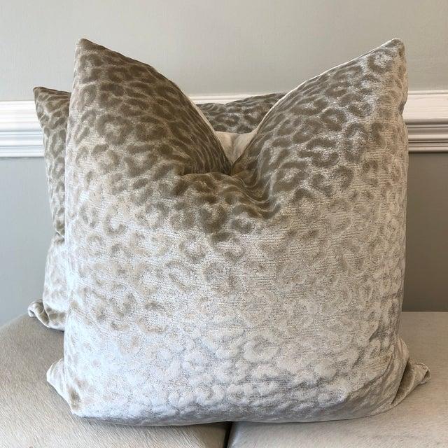 "Textile Kravet ""Divina"" Velvet in Natural 22"" Pillows-A Pair For Sale - Image 7 of 7"