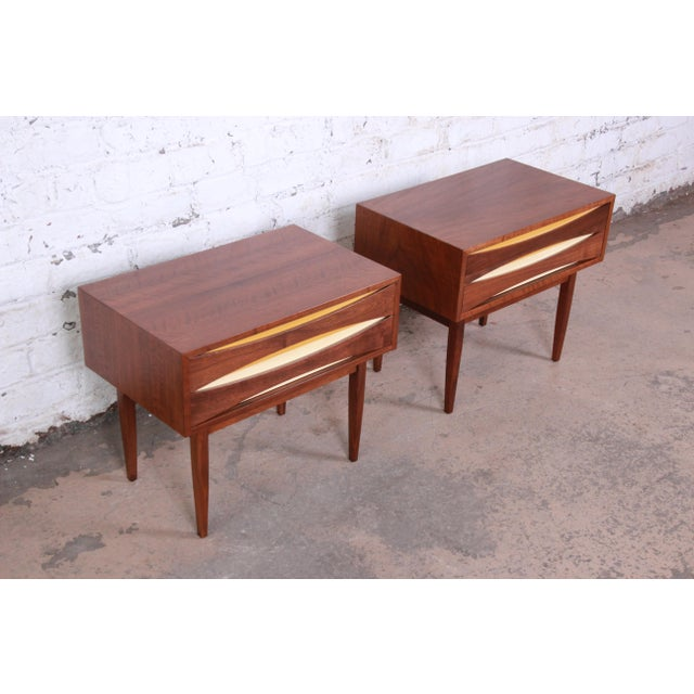 Mid-Century Modern Walnut Nightstands by West Michigan Furniture Co. - a Pair For Sale In South Bend - Image 6 of 11
