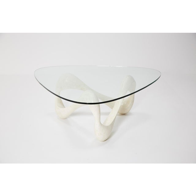 """Maitland - Smith 1990s Contemporary Freeform White Tessellated Stone """"Cursive"""" Coffee Table For Sale - Image 4 of 13"""