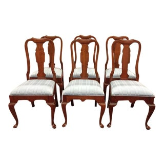 1980s Vintage Pennsylvania House Queen Anne Style Cherry Dining Chairs- Set of 6 For Sale