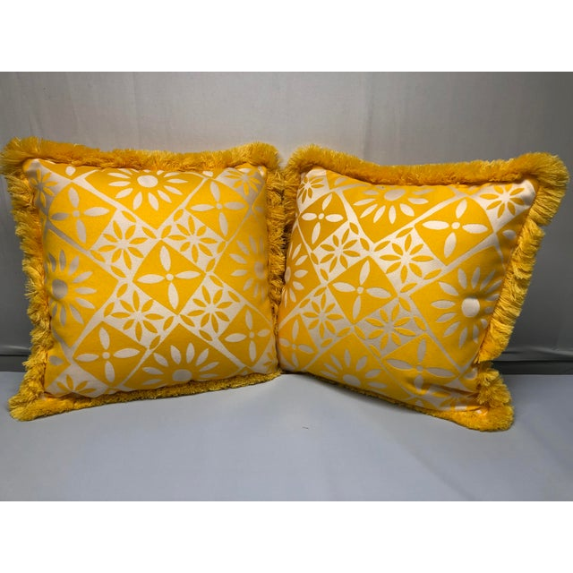 """2010s Indoor/Outdoor 18"""" Throw Pillows With Fringe - a Pair For Sale - Image 5 of 5"""