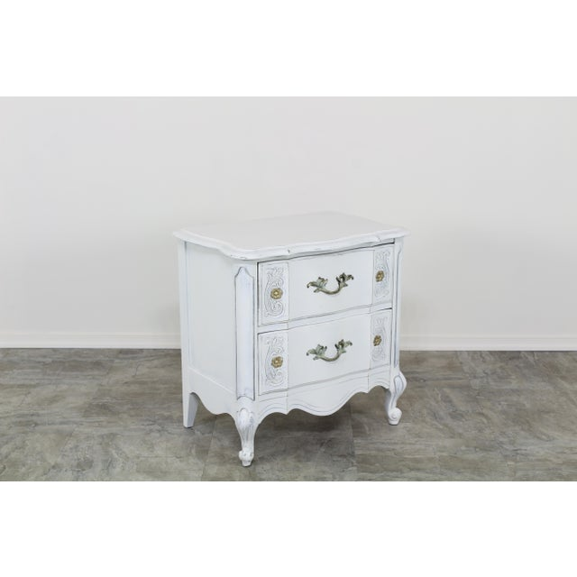 1970s Vintage White French Provincial Nightstands - a Pair For Sale - Image 5 of 13