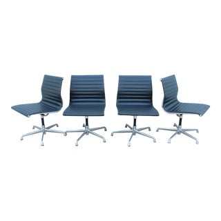 1900s Mid-Century Modern Herman Miller Eames Aluminum Group Side Chairs - Set of 4