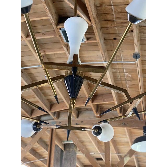 Mid-Century Modern 1960s Stilnovo Chandelier 8 Lights in Brass and Murano Glass, Italy For Sale - Image 3 of 13