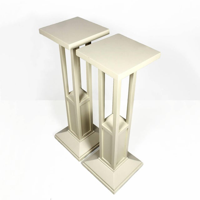 Art Nouveau 1910s Pair of Cubist Art Nouveau Stands, Ivory lacquered Oak, France For Sale - Image 3 of 7