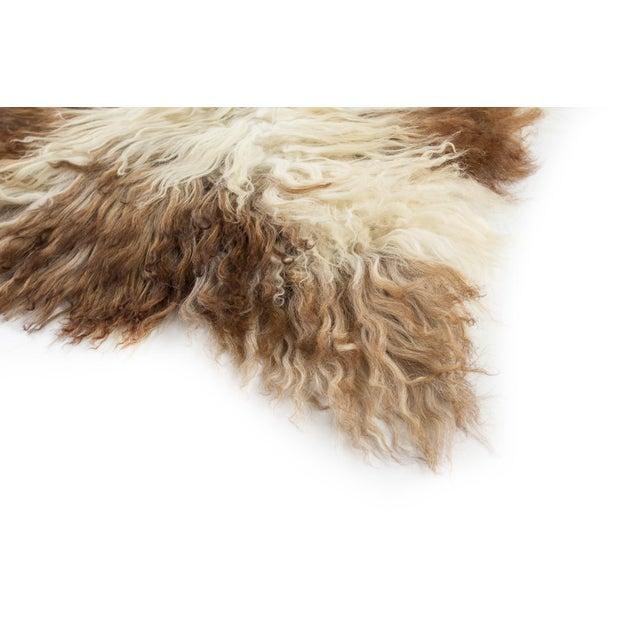 """Contemporary Natural Wool Sheepskin Pelt Rug - 2'2""""x3'4"""" For Sale In Chicago - Image 6 of 7"""