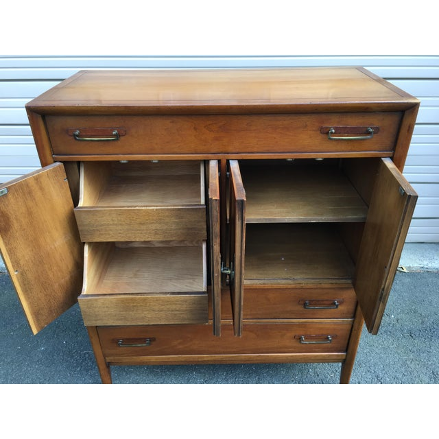 Wood 1960s Vintage Drexel Mid-Century Meridian Walnut Tall Chest 5 Drawer Dresser For Sale - Image 7 of 11