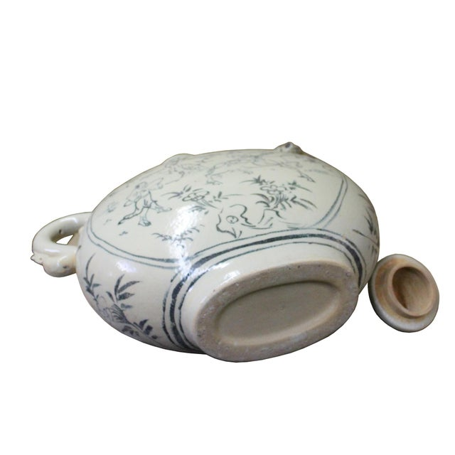 Arts & Crafts Chinese Oriental Ceramic Cream White Outline Graphic Bird Head Jar For Sale - Image 3 of 8