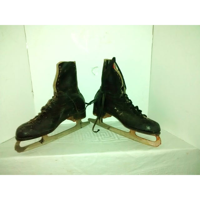 Vintage 1950 Men's Ice Skates Holiday Decor - A Pair - Image 2 of 7