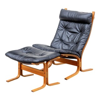 """1975 Westnofa """"Siesta"""" Teak and Leather Lounge Chair With Ottoman For Sale"""