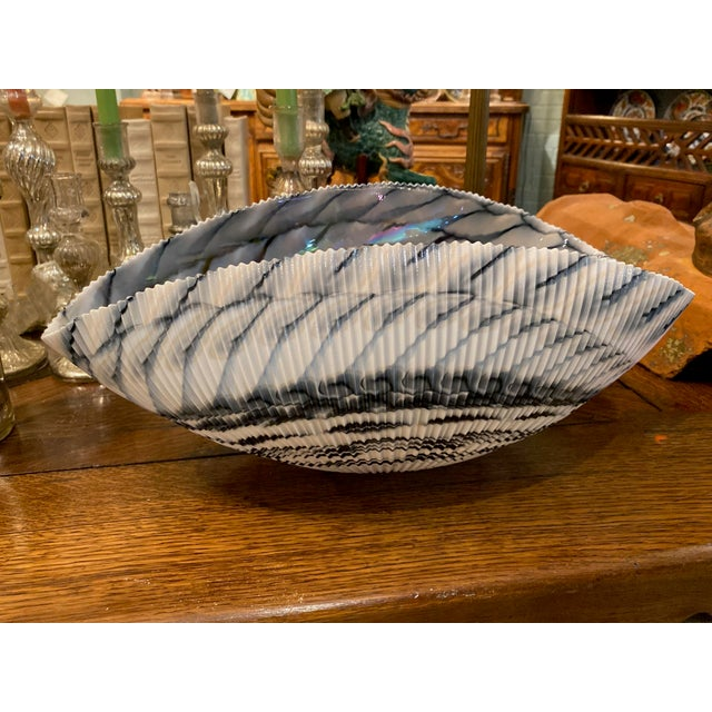 Abstract Murano Glass Folded Seashell Bowl For Sale - Image 3 of 7