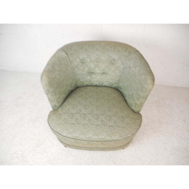 Mid-Century Modern Mid-Century Modern Lounge Chair For Sale - Image 3 of 9