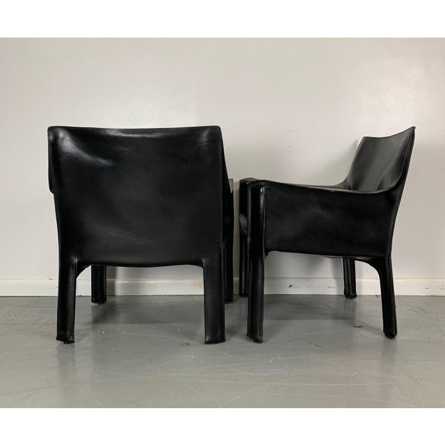 Mid-Century Modern 1960s Vintage Mario Bellini Black Leather Cassina Cab Chairs- Pair For Sale - Image 3 of 6