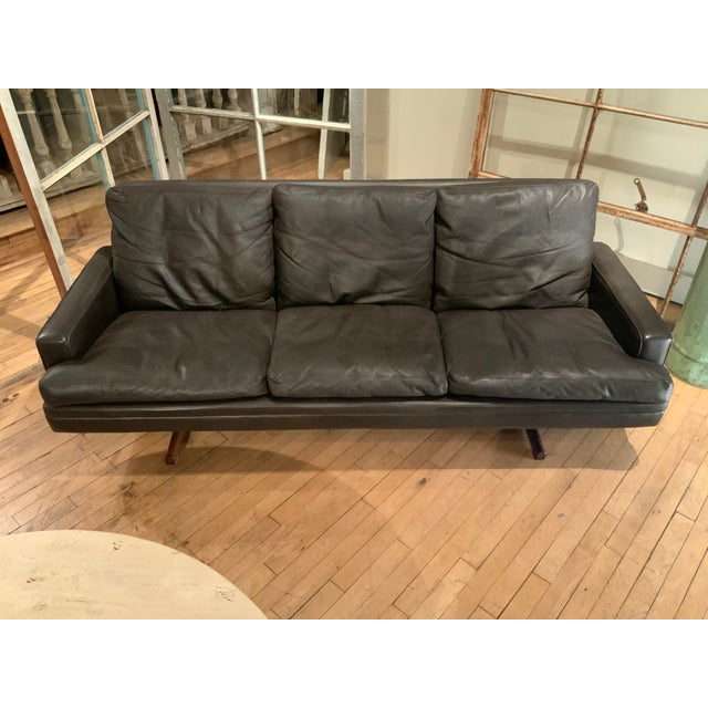 1960s Danish Leather and Rosewood Sofa by Fredrik Kayser For Sale In New York - Image 6 of 10