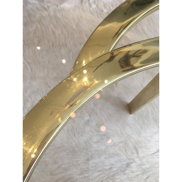 Brass Interlocking Brass and Glass Round Cocktail Table For Sale - Image 7 of 11