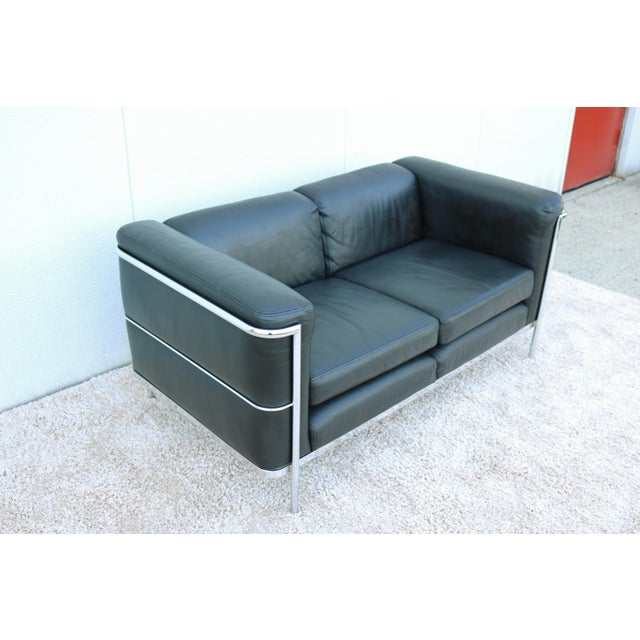 1980's Le Corbusier LC2 Jack Cartwright Black Leather Loveseat For Sale In New York - Image 6 of 13