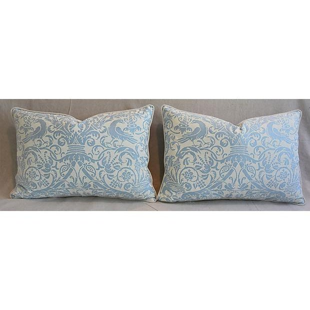 """Early 21st Century 26"""" X 18"""" Custom Tailored Italian Fortuny Uccelli Feather/Down Pillows - a Pair For Sale - Image 5 of 11"""