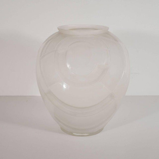 French Art Deco Cubist Vase in Translucent and Frosted Glass by Andre Hunebelle For Sale In New York - Image 6 of 8