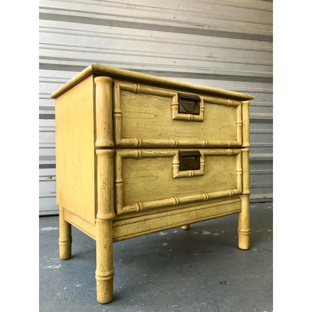 Contemporary Stanley Furniture Faux Bamboo End Table Hollywood Regency For Sale - Image 3 of 8