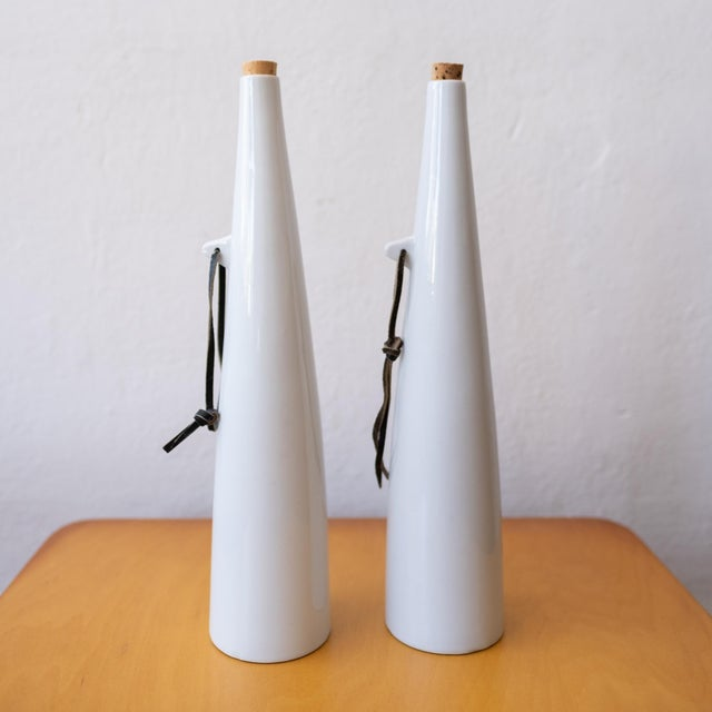 1950s Red and White Wine Carafes by Kenji Fujita For Sale - Image 5 of 8