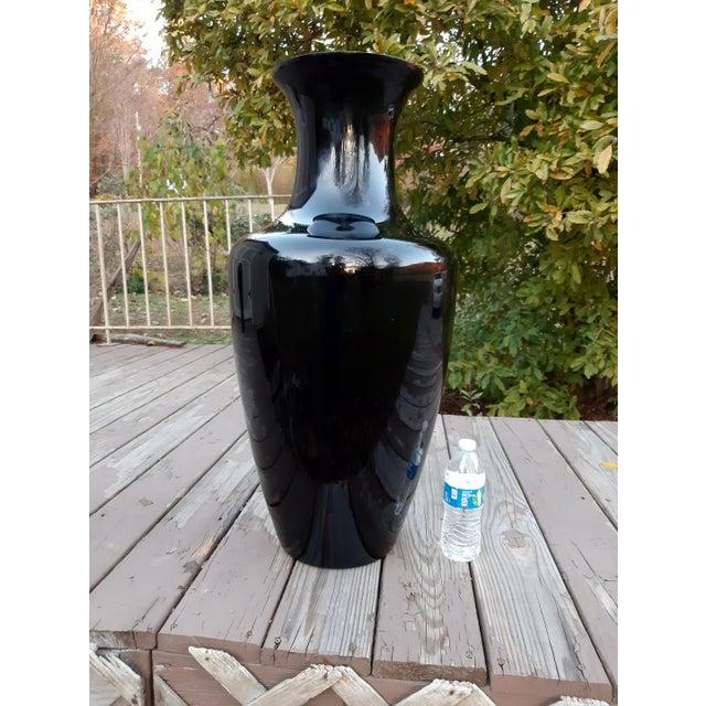 Vintage West Virginia Masterwork Black Pilgrim Art Glass Vase For Sale - Image 9 of 13