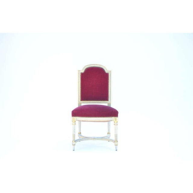Neoclassical Revival Set of 5 Chic Crimson Velvet Chairs in the Style of Maison Jansen For Sale - Image 3 of 12