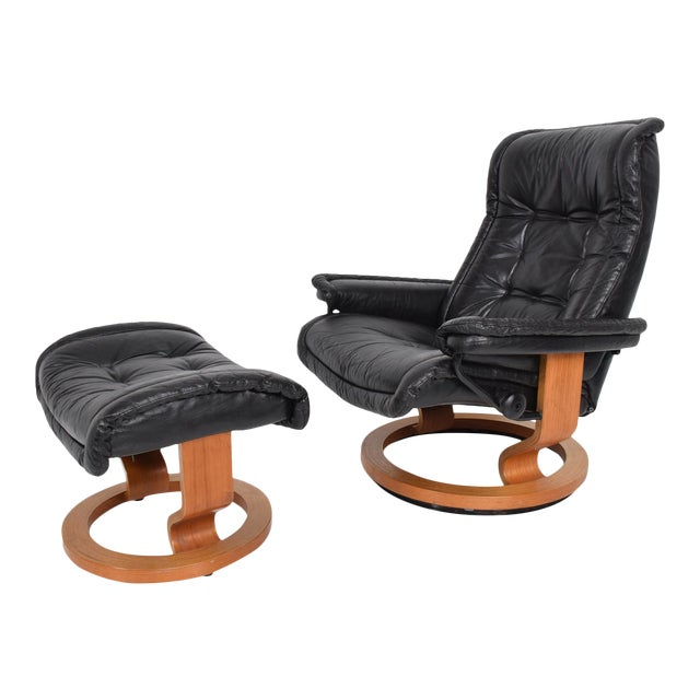Vintage Scandinavian Modern Ekornes Stressless Recliner Chair & Ottoman For Sale