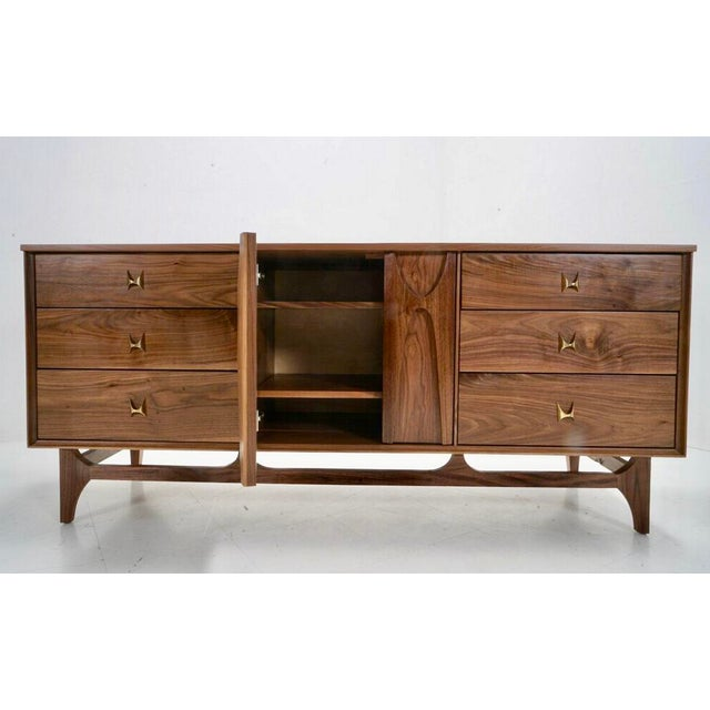 "Mid Century Walnut Brass ""Brasilia"" Sideboard Credenza For Sale In Los Angeles - Image 6 of 7"
