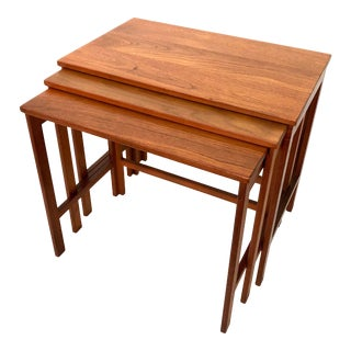 Mid Century Modern Nesting Tables by Peter Hvidt for France and Son For Sale