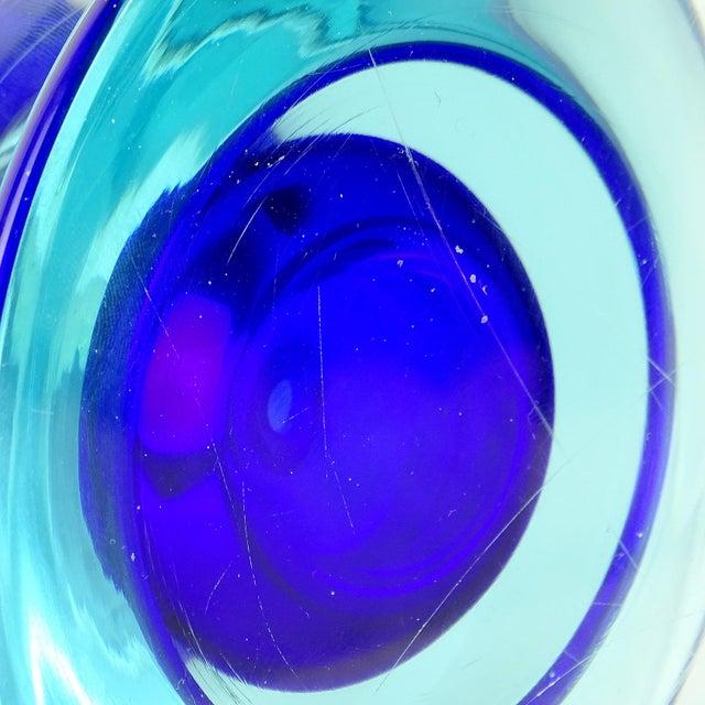 Vintage Seguso Vetri d'Arte Murano Sommerso Cobalt Blue Italian Art Glass Perfume Bottle For Sale In Orlando - Image 6 of 7