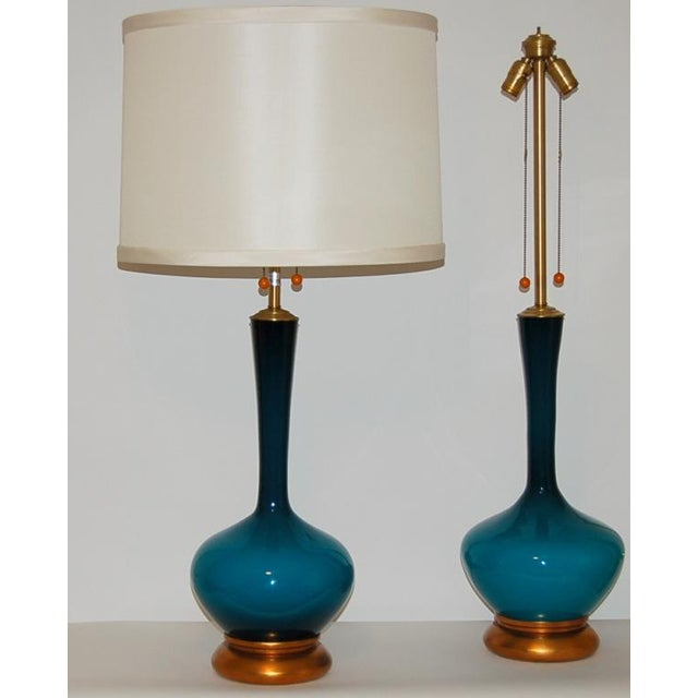 Hollywood Regency 1950s Vintage Marbro Handblown Swedish Glass Table Lamps- A Pair For Sale - Image 3 of 9