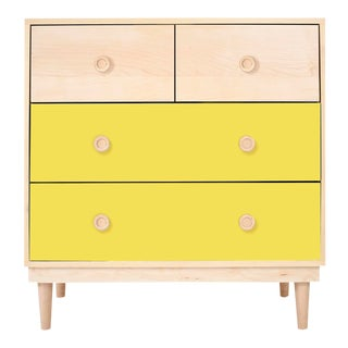 Lukka Modern Kids 4-Drawer Dresser in Maple With Yellow Finish For Sale