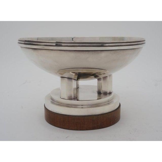 """Art Deco Art Deco 1930s """"Les Fils De C. Wormser, Paris"""" Compote Silver Plated on Mahogany Plinth For Sale - Image 3 of 9"""