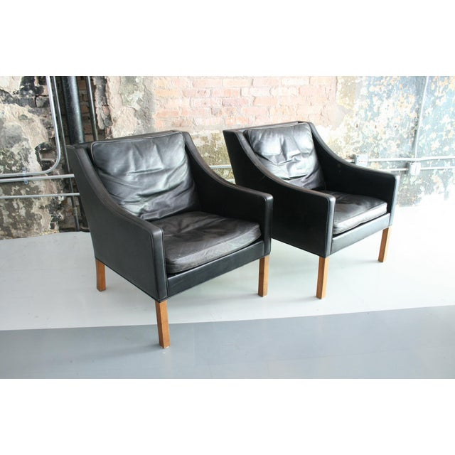 Black Matched Pair of Børge Mogensen Model #2207 Leather Lounge Chairs For Sale - Image 8 of 13
